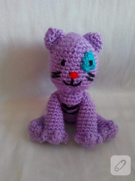 amigurumi-oyuncak-kedi-