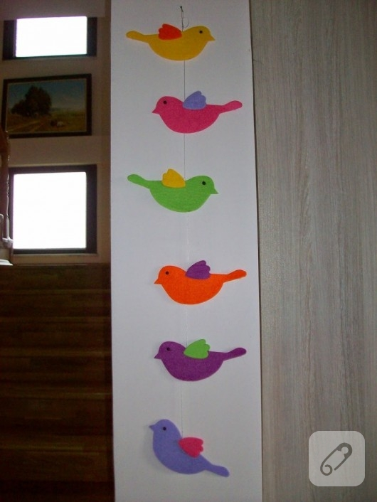 Keçeden kuşlu duvar süsü