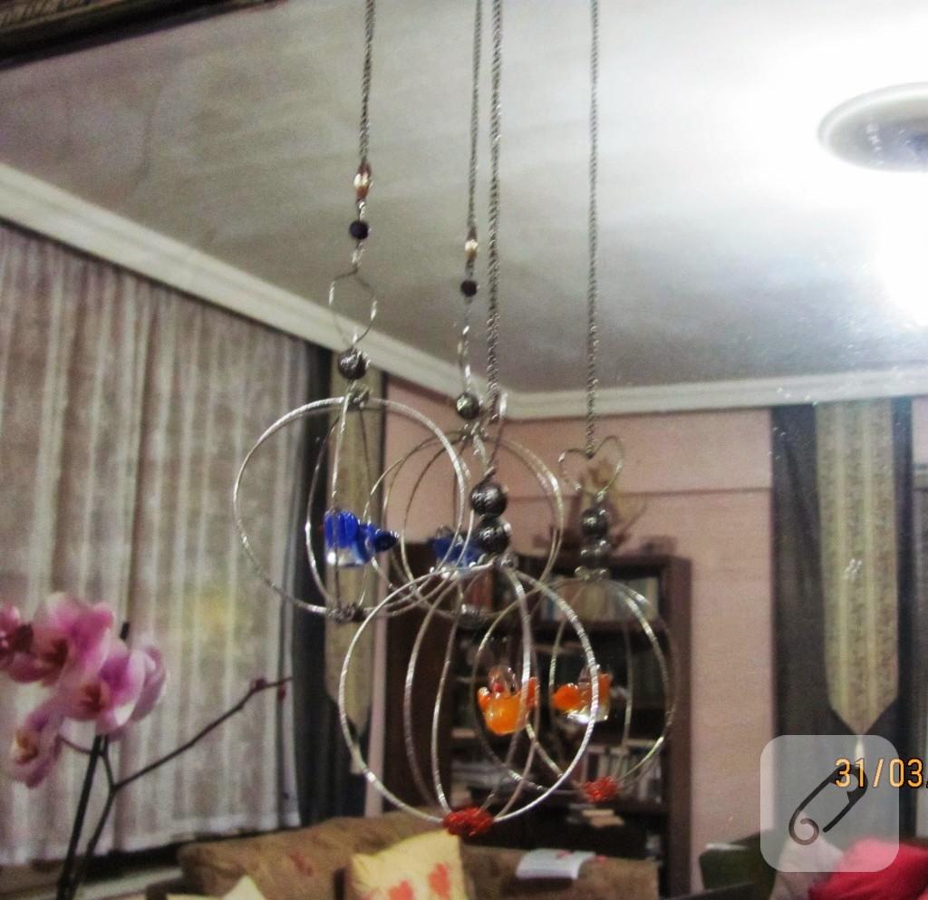 metal-tellerden-kafes-duvar-susu