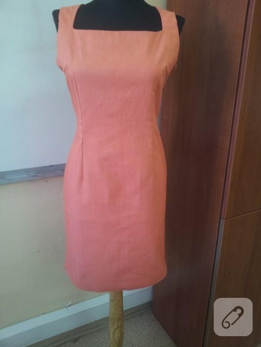 Sandık yaka elbise