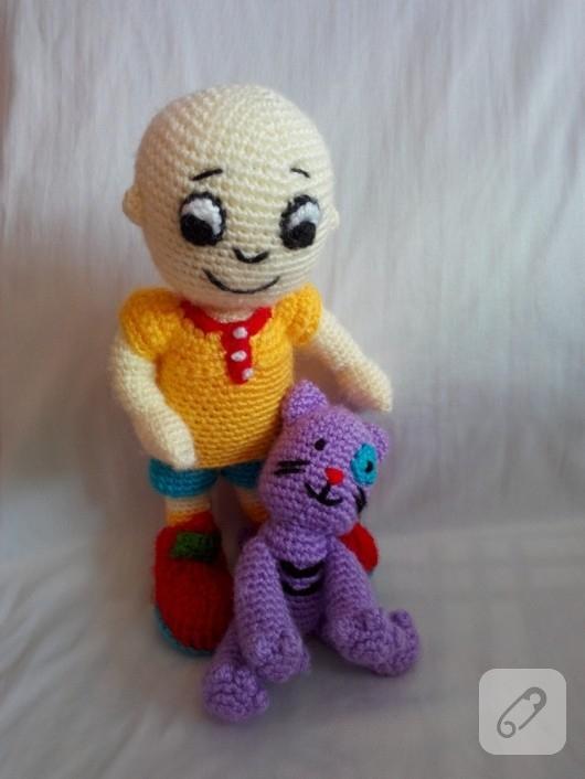 amigurumi-caillou-orgu-oyuncak-