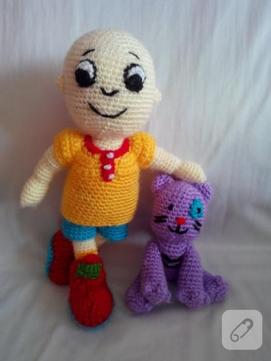 amigurumi-caillou-orgu-oyuncak