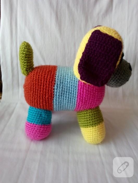 amigurumi-kopek-orgu-oyuncaklar-