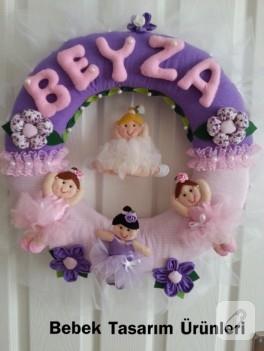 Pembeli morlu balerin bebekli kapı süsü