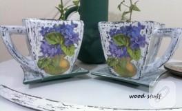 Çiçekler fincanda – mum eskitmeli vazo