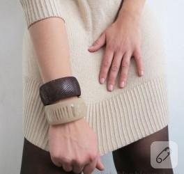 Likralı kadın çorabından bilezik tasarımı