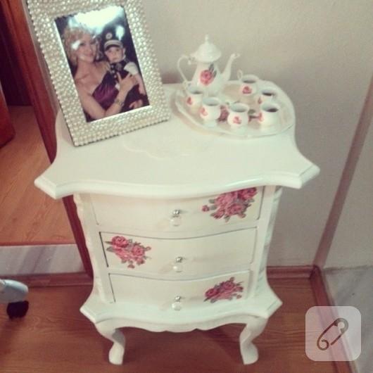 mobilya-boyama-pecete-dekupaj-ile-yenileme