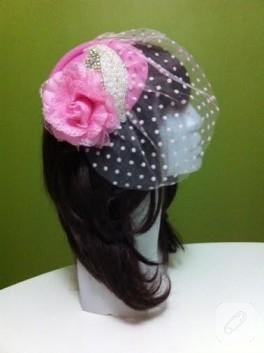 Kristal boncuklu pembe nikah şapkası