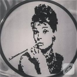Kanaviçe Audrey Hepburn pano