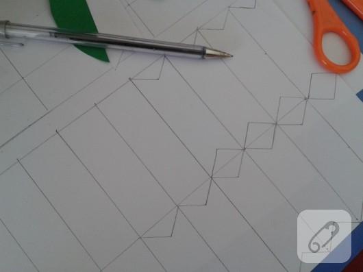 cocuk-etkinlikleri-kagittan-bayrak-yapimi-1