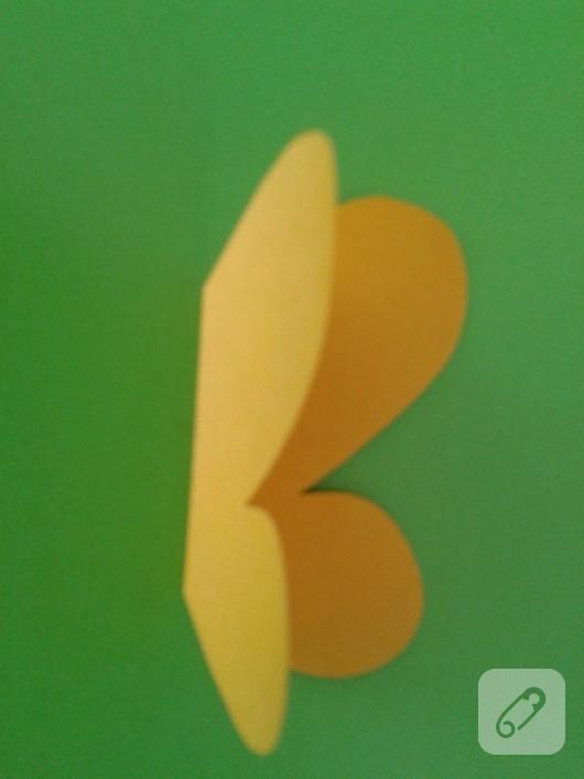 kartondan-kelebekli-kitap-ayraci-yapimi-5