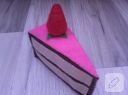 Keçeden dilim pasta yapımı