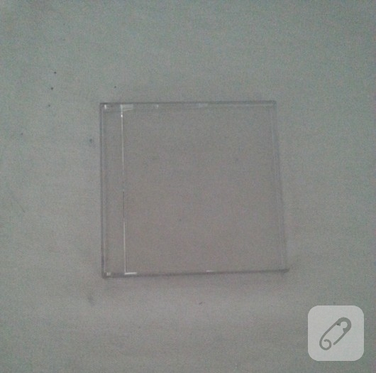 cd-kutusundan-ahsap-gorunumlu-cerceve-yapimi-1