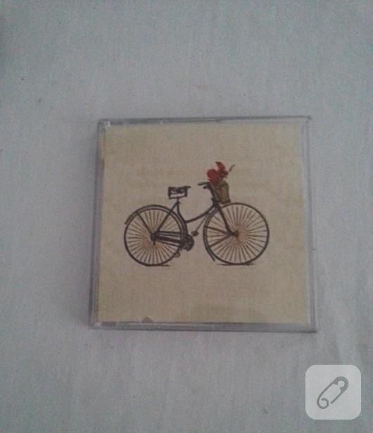 cd-kutusundan-ahsap-gorunumlu-cerceve-yapimi-2
