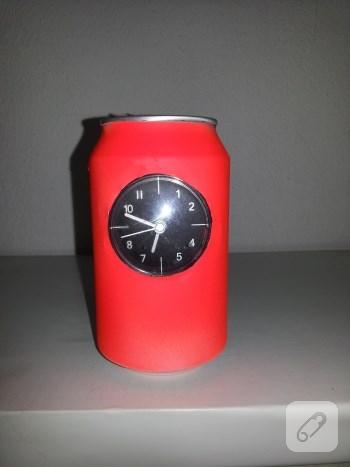 geri-donusum-fikirleri-cola-kutusundan-saat-yapimi-5