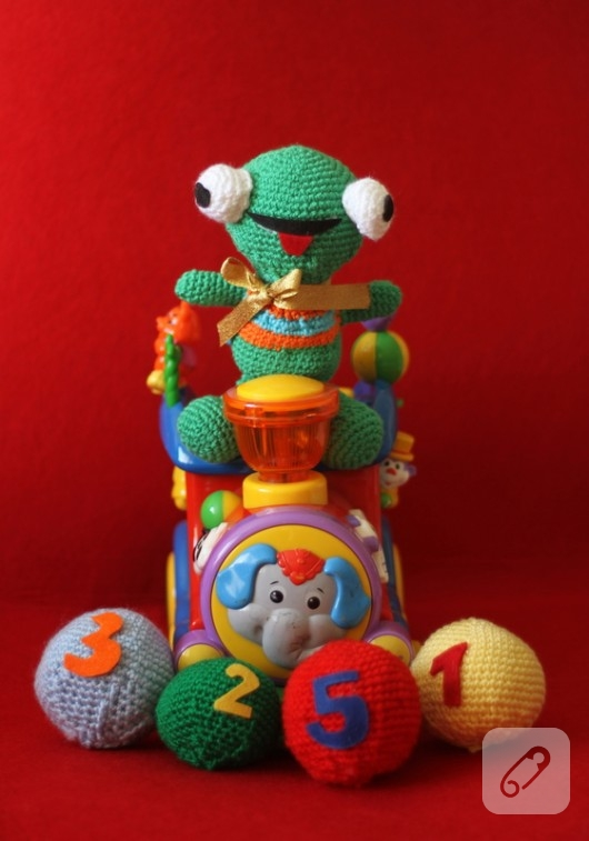 amigurumi-oyuncak-kurbaga-modelleri