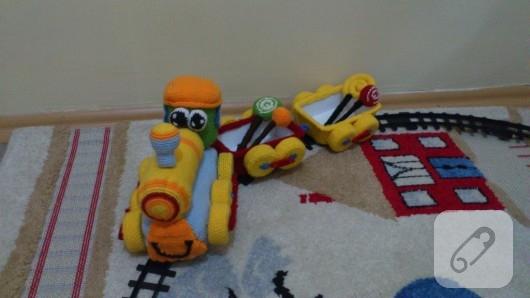 amigurumi-oyuncak-tren-3
