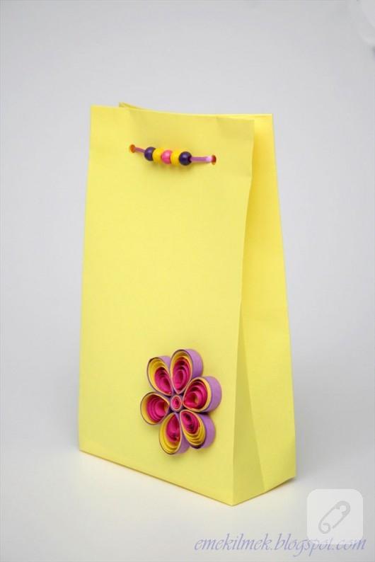 kartondan-sari-hediye-poseti-yapimi