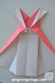 origami-kagittan-elbise-yapimi-21