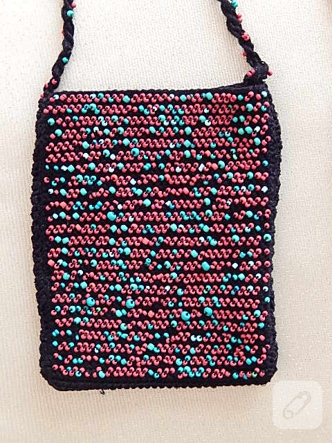 997b7f994510d Boncuklu tığ işi çanta yapımı - 10marifet.org