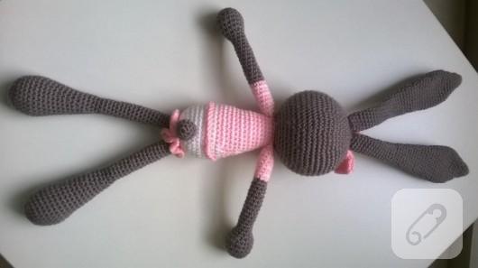 amigurumi-oyuncaklar-orgu-tavsan-4