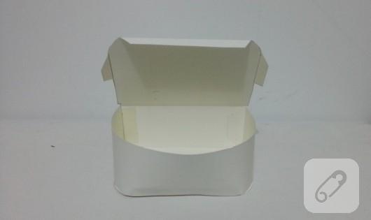 bavul-seklinde-kalpli-hediye-kutusu-yapimi-4