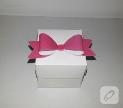 fiyonklu-hediye-kutusu-yapimi-1