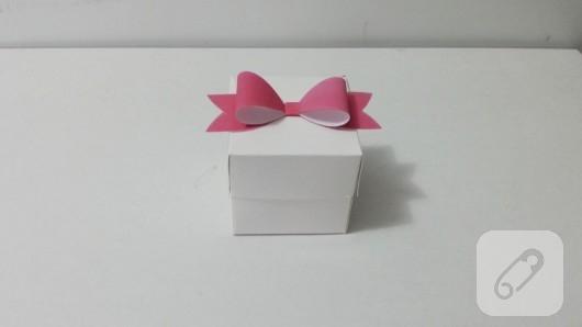 fiyonklu-hediye-kutusu-yapimi-10