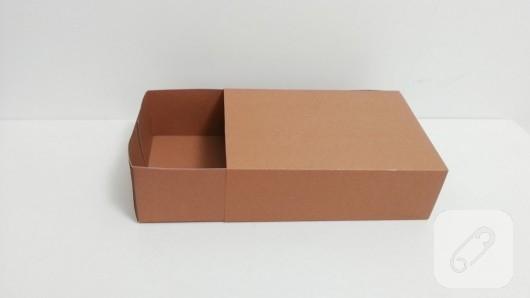 kartondan-bavul-seklinde-hediye-kutusu-yapimi-7