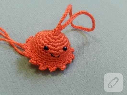 amigurumi-oyuncak-nasil-yapilir-orgu-denizanasi-15