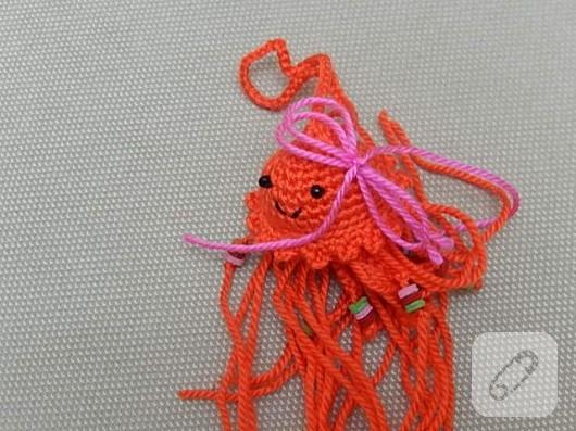amigurumi-oyuncak-nasil-yapilir-orgu-denizanasi-18