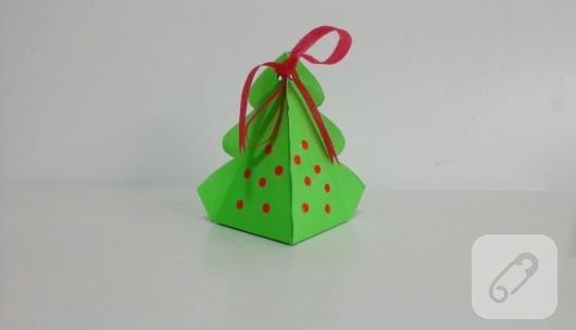 cam-agaci-seklinde-kartondan-hediye-kutusu-yapimi-10