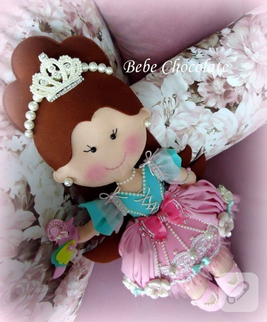 kece-prenses-bebek-taki-yastigi