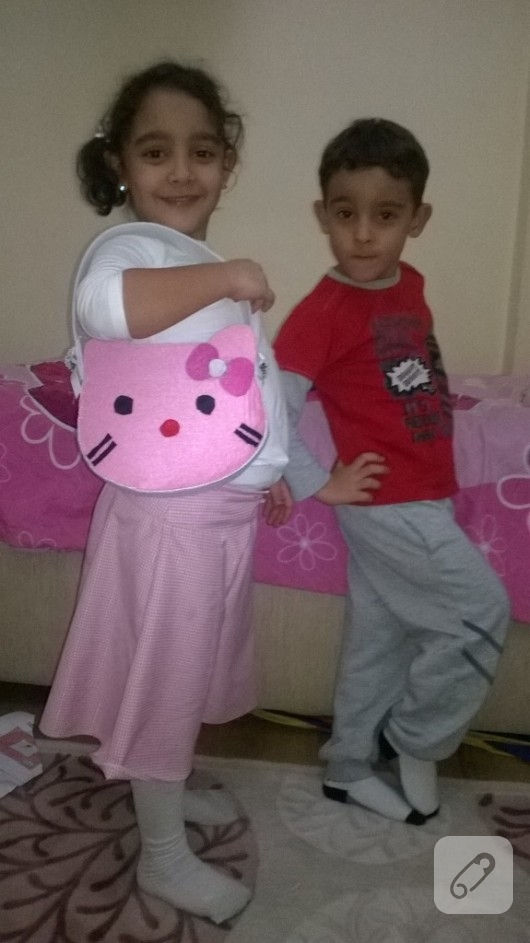 keceden-pembe-hello-kitty-cantasi-1