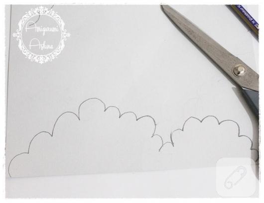 akrilik-boya-ile-bulutlu-kart-yapimi-3