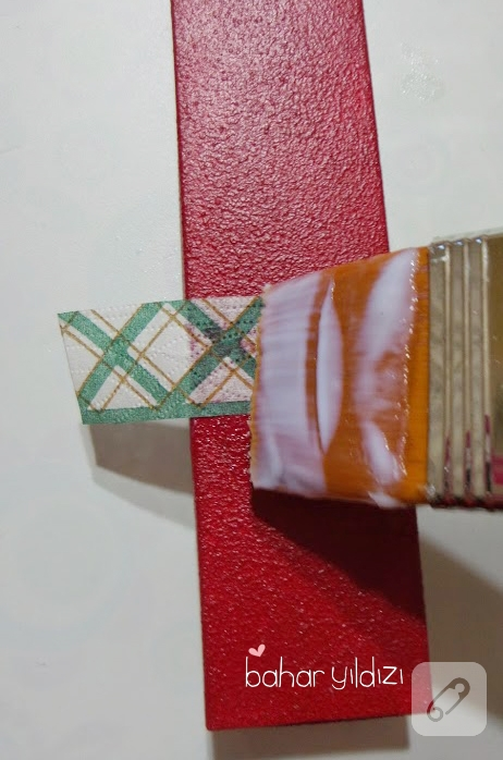 karton-kutu-uzerine-pecete-dekupaj-yapimi-4