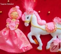 keceden-prenses-bebek-ve-oyuncak-at