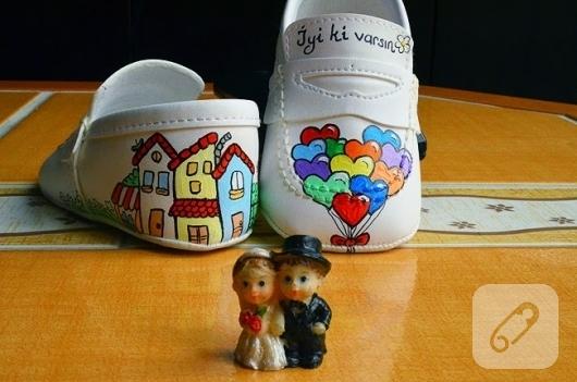el-boyaması-bebek-ayakkabilari