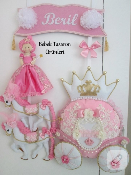 balkabagi-ve-prenses-bebek-suslemeli-pembe-kapi-susleri