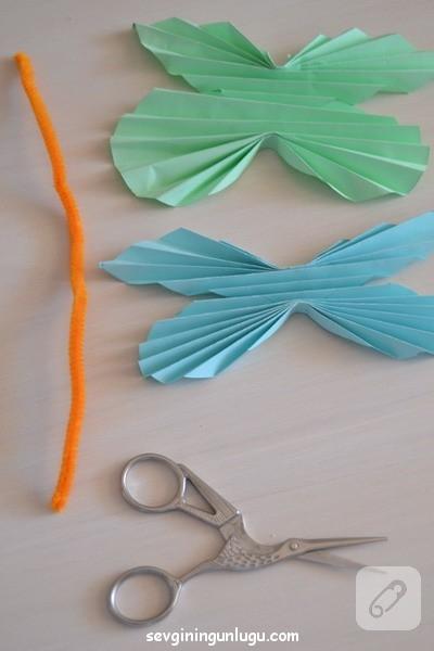 cocuk-etkinlikleri-ponponlu-kagit-kelebek-yapimi-12.jpg