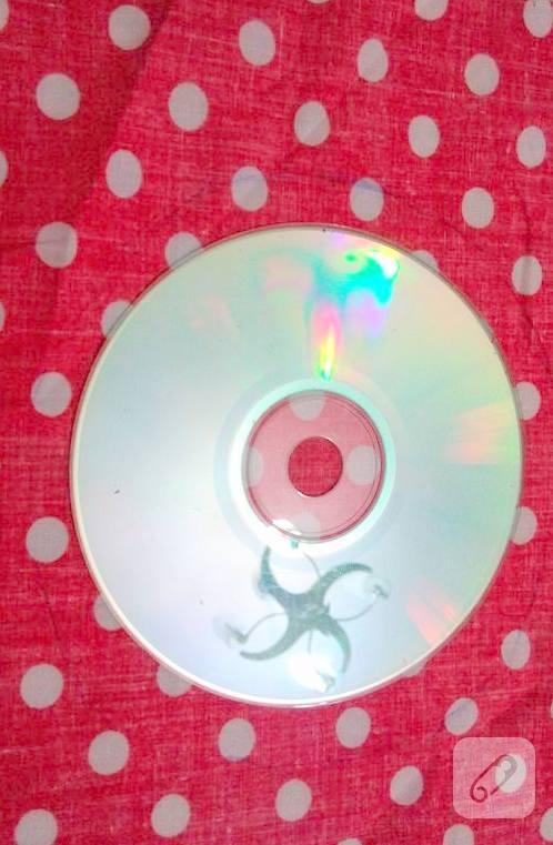 cd-degerlendirme-sapka-seklinde-ignelik-yapimi-9