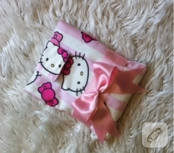 hello-kitty-desenli-kumastan-ipad-cantasi