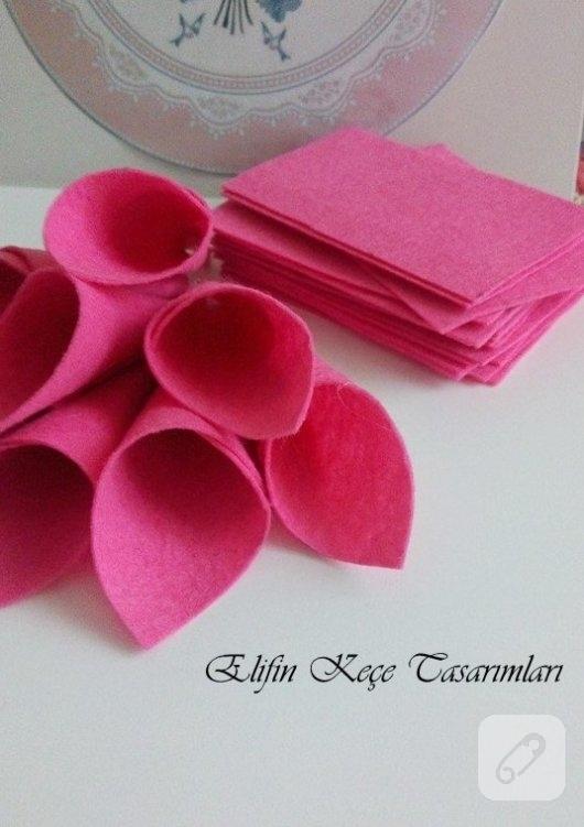 Felt-pink-to-winged door-strain-construction-10