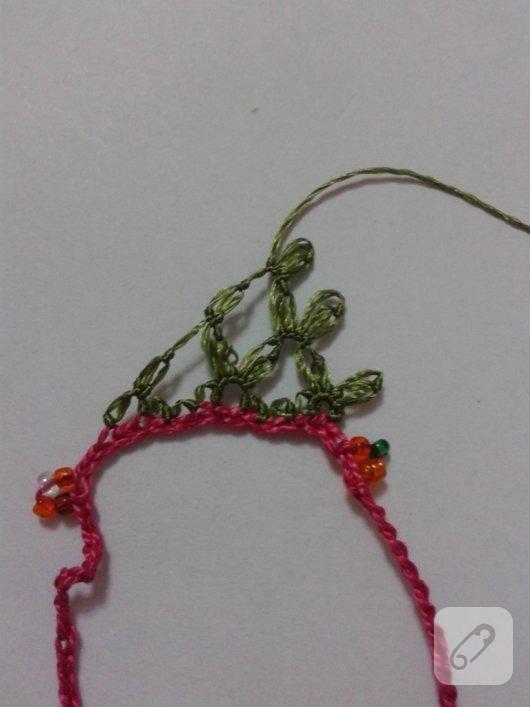 igne-oyasi-cicekli-kolye-yapimi-11