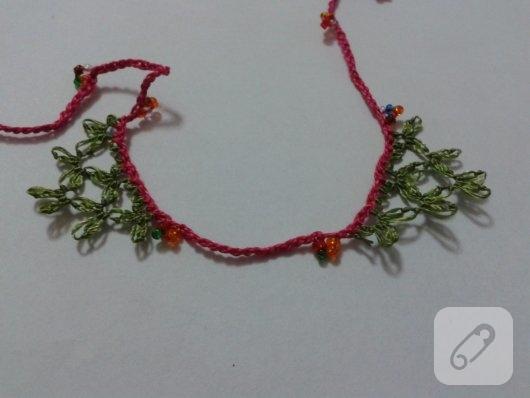 igne-oyasi-cicekli-kolye-yapimi-13
