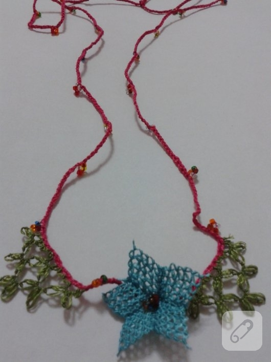 igne-oyasi-cicekli-kolye-yapimi-22