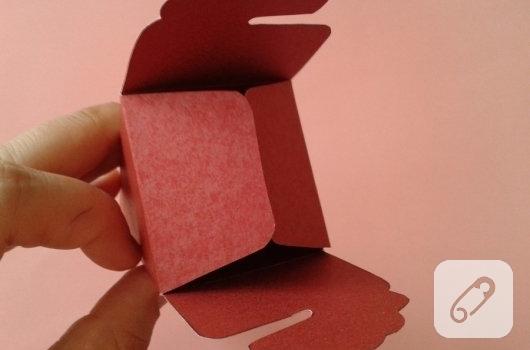 kartondan-hediye-paketi-yapimi-3