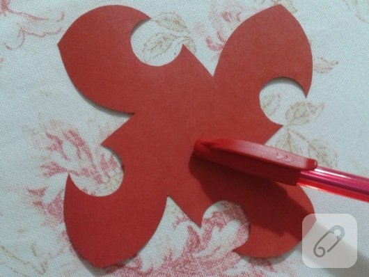 kartondan-origami-gul-yapimi-4
