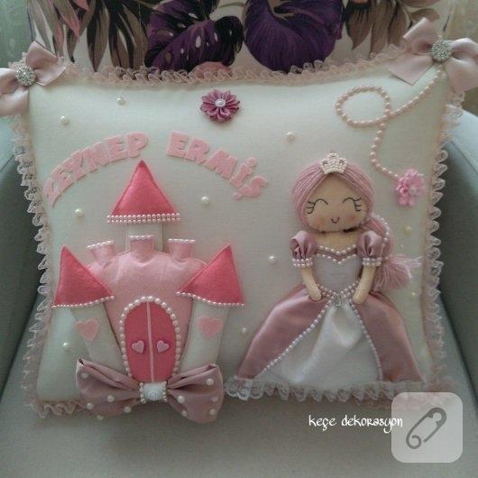 kece-prensesli-pembe-bebek-taki-yastiklari