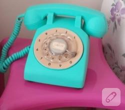 akrilik-boya-ile-antika-telefon-boyama-kendin-yap-diy-fikirleri